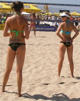 Beach volleyball hand signals